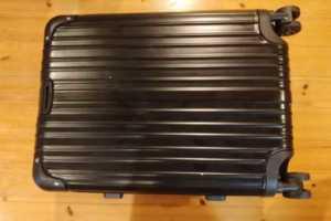 Amazonでロングセラー!軽くて持ち運びしやすいスーツケースの決定版!!【ASVOGUE スーツケース】